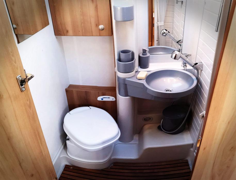Marselha bathroom